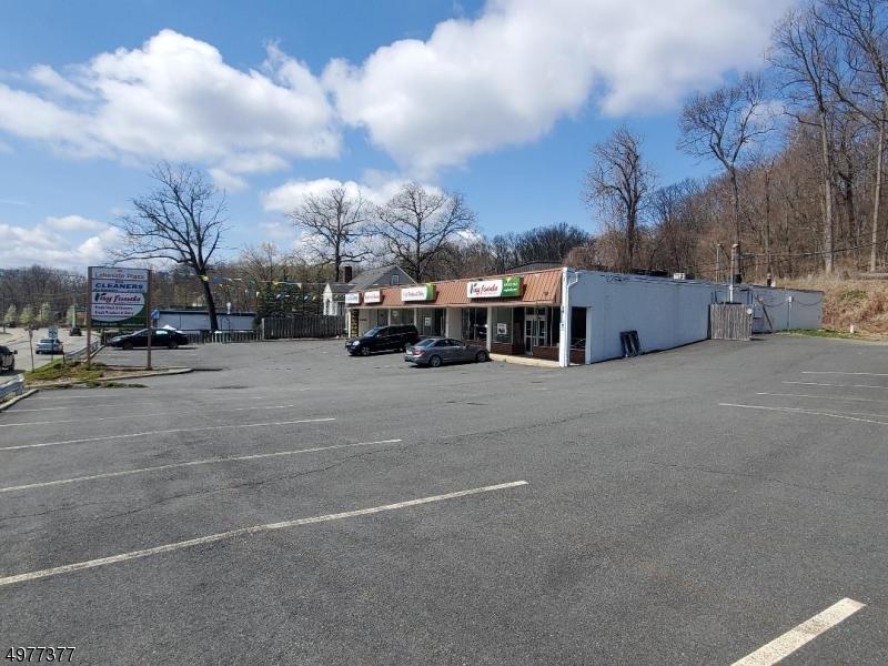52 Lakeside Blvd  , Hopatcong Boro, NJ 07843-1310